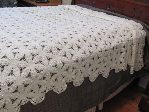 1930s Heirloom Italy Hand Made Crochet Lace Bedspread Wildrose