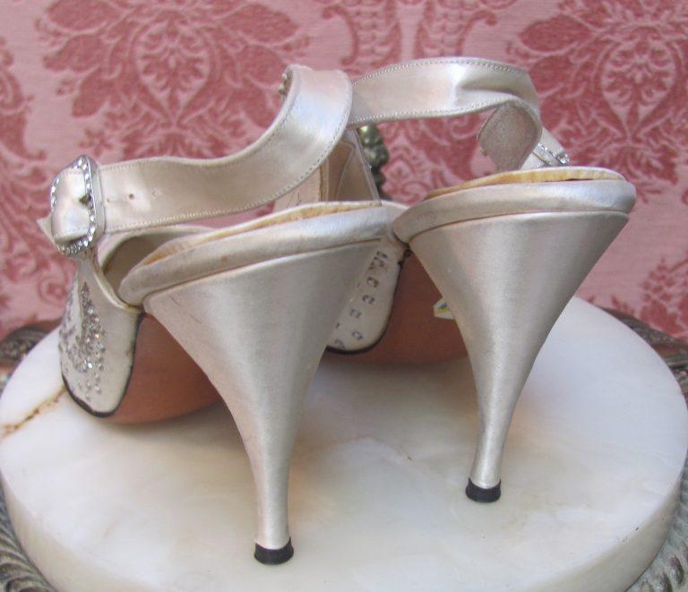 Bridal Shoes Saks: 1940's DEADSTOCK SAKS 5th AVE IVORY SATIN-RHINESTONE SLING
