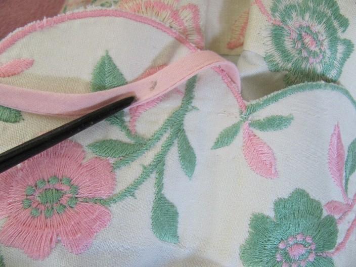 e21454df93 ... 1950 s DEMURE PINK ROSES   BUDS Embroidered SUNDRESS. ZOOM +. START  SLIDESHOWSTOP SLIDESHOW